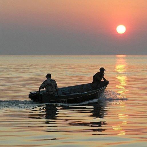переправить всех на другой берег не забудь что лодка двухместная