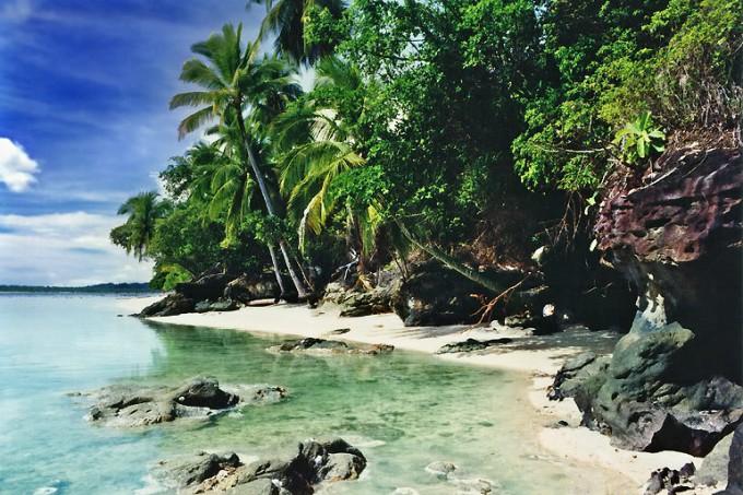 robinson-crusoe-island-cove