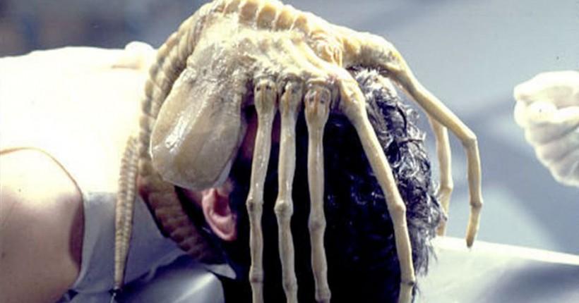 08-alien-facehugger.w1200.h630